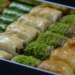 Handmade Assorted Baklava , 32 pieces - 2.2lb - 1kg - Thumbnail
