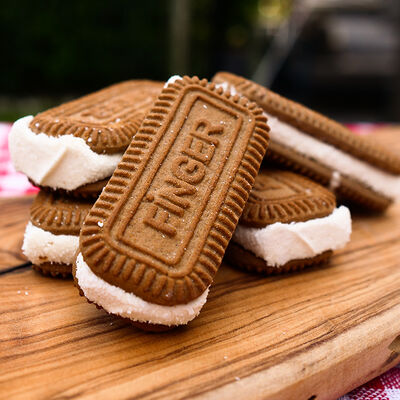 Cocoa Flavored Turkish Delight Sandwich , 6 Pieces