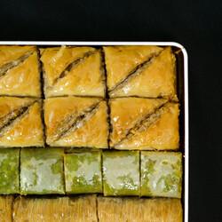 Handmade Assorted Luxurious Baklava , 2.2lb - 1kg - Thumbnail