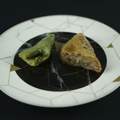 Handmade Assorted Muska Baklava , 1.1lb - 500g