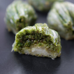 Handmade Green Mussel Baklava , 35.2oz - 1000g - Thumbnail