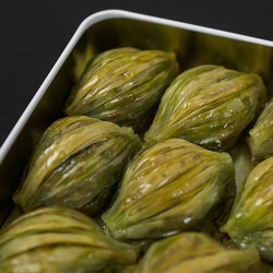 Handmade Mussel Baklava with Pistachio , 9 pieces - 0.8lb - 400g - Thumbnail