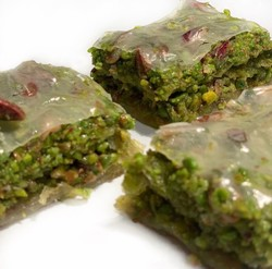 Handmade Pistachio Dream Baklava , 12 pieces - 1.98lb - 900g - Thumbnail