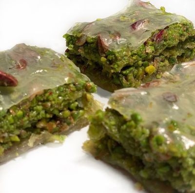 Handmade Pistachio Dream Baklava , 12 pieces - 1.98lb - 900g