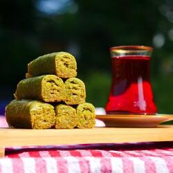 Handmade Pistachio Rolled Baklava , 40 pieces - 2.2lb - 1kg - Thumbnail