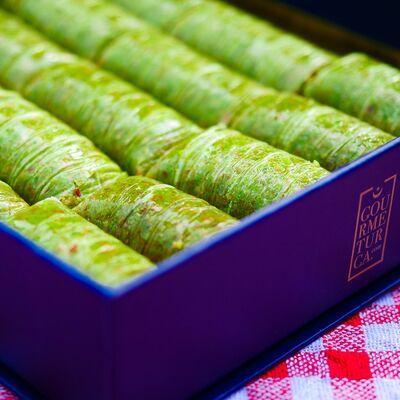 Handmade Pistachio Rolled Baklava , 18 pieces - 1.1lb - 500g