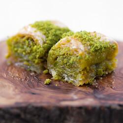 Handmade Pistachio Twisted Baklava , 2.2lb - 1kg - Thumbnail