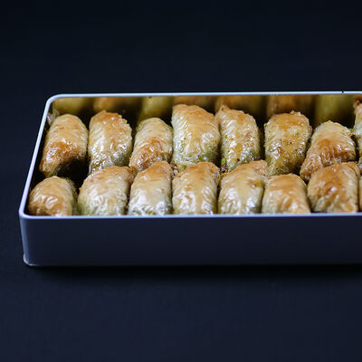Handmade Şöbiyet Baklava , 16 pieces - 2.2lb - 1Kg