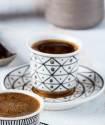 Saleenart - Handmade Triangle Patterned Coffee Cup With Saucer