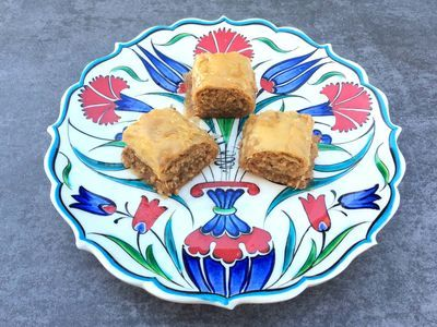 Handmade Hazelnut Baklava , 40 pieces - 2.2lb - 1kg