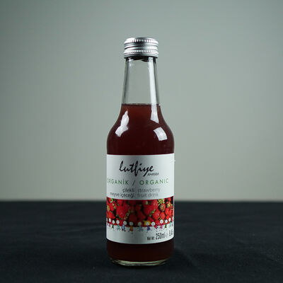 Organic Strawberry Flavored Juice , 8.4 fl oz - 250ml